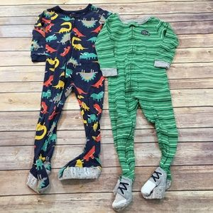 Set of 2 Carters 3T Lightweight Footed Boy Pajamas